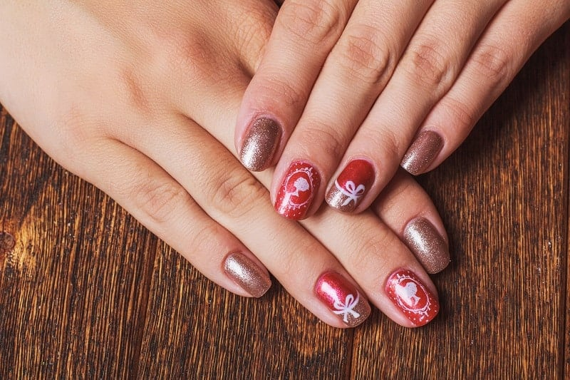 Red Gold Nails With Bow Details