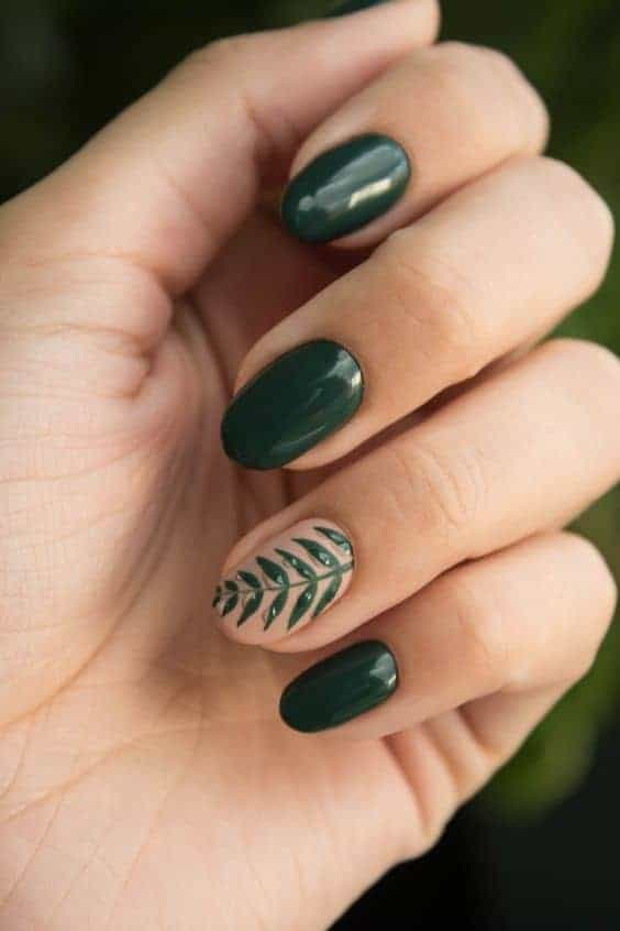 Green Oval Short Nails