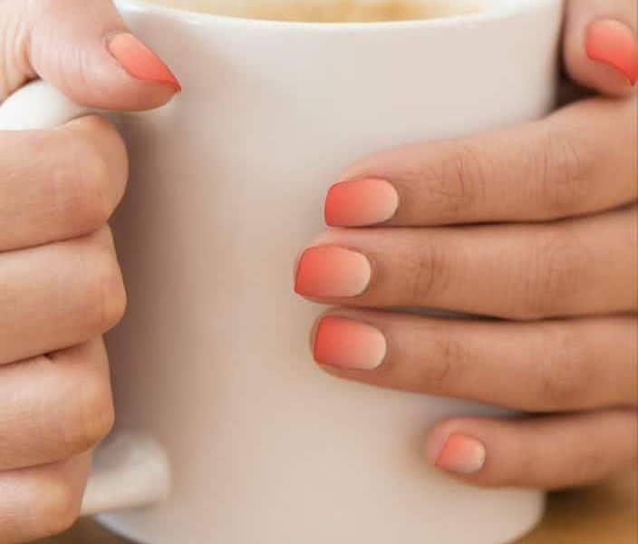 Short Feminine Orange Ombre Nails