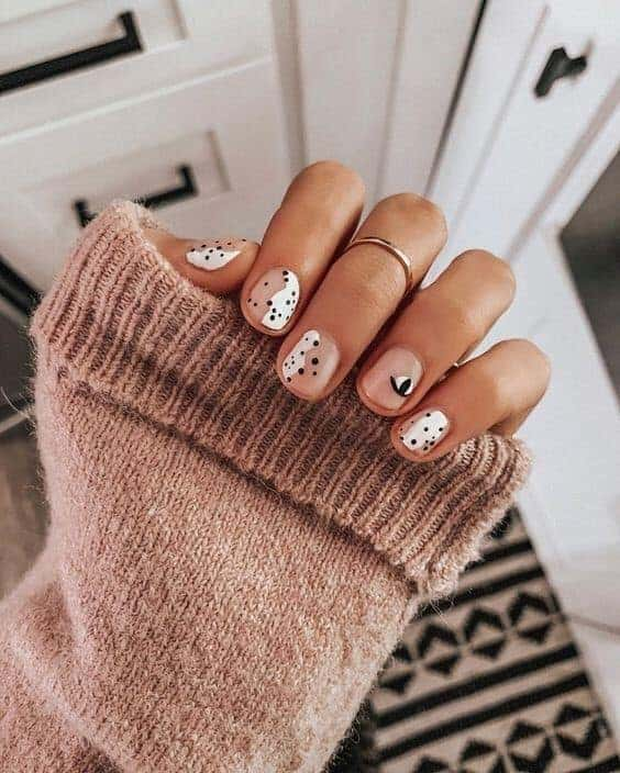 Short Polka Dot Nails