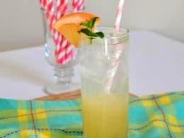 Grapefruit Mint Spritzer (Non-Alcoholic)