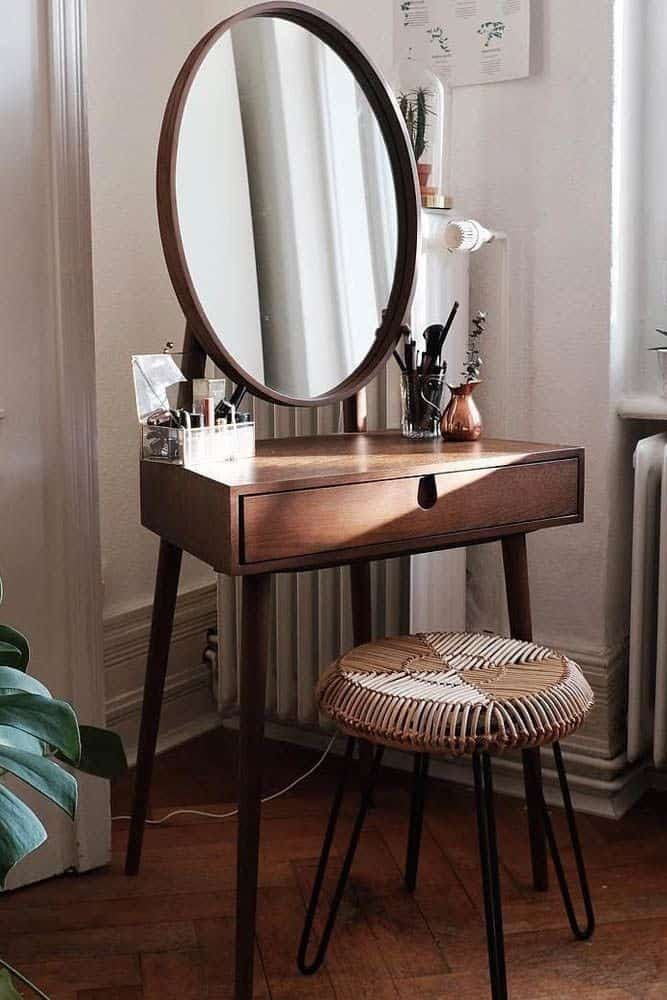 32. Chic & Boho Inspired Vanity Table