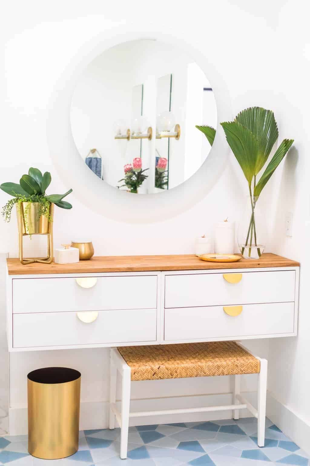 Beautiful White & Wood DIY