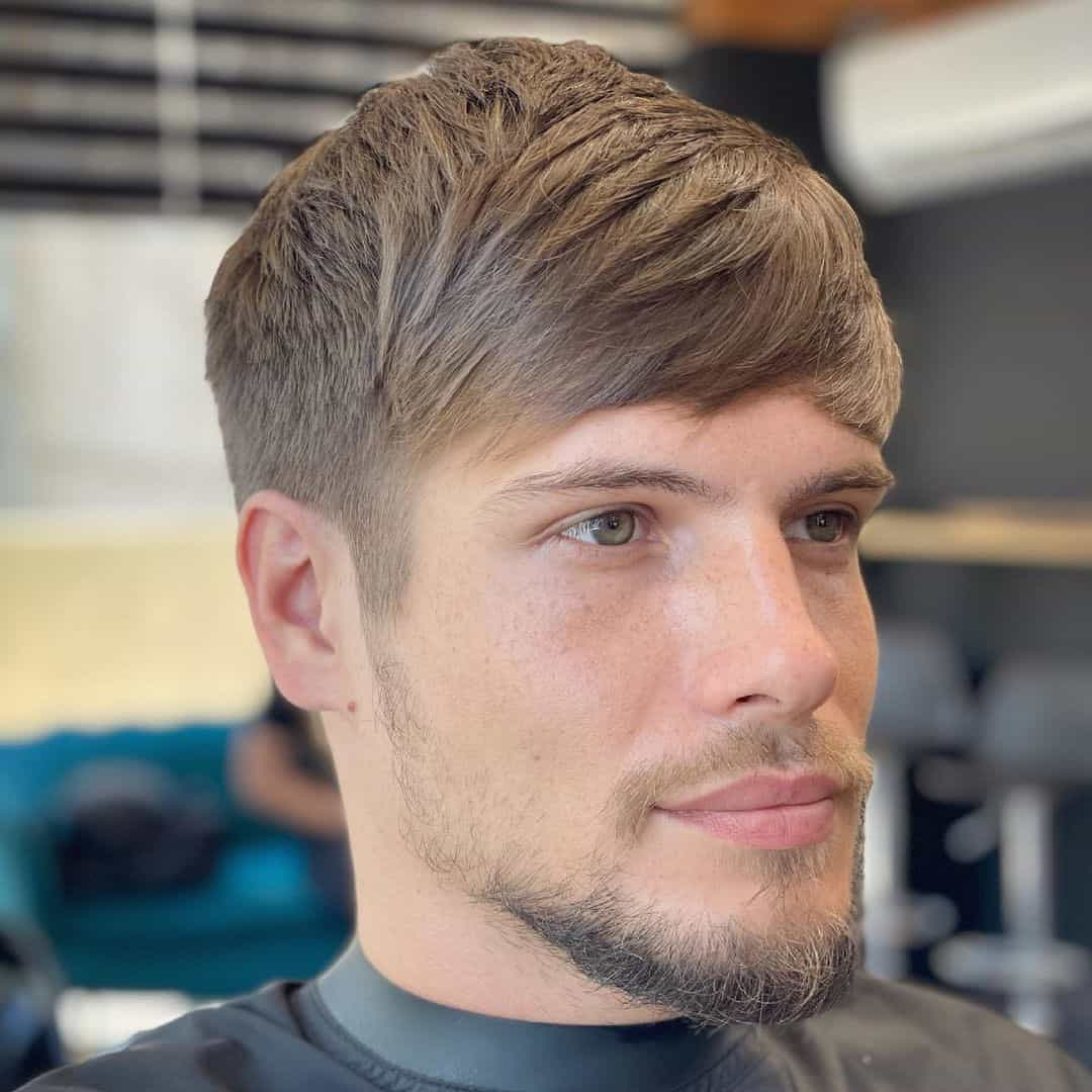 Hair With Bangs For Men Who Have A Round Face