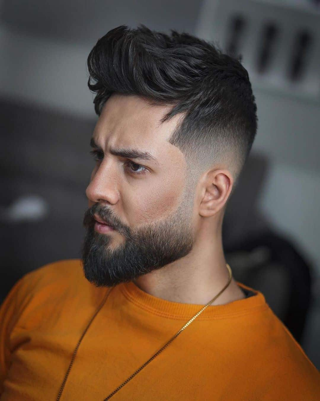 Hairstyle For Round Face Men