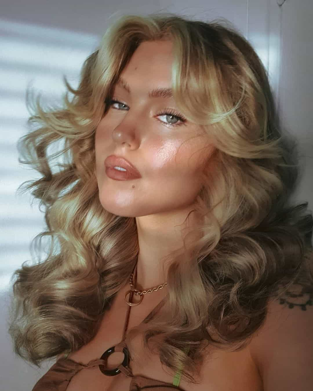 Hairstyles For Round Face Wavy Look