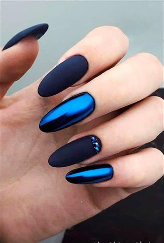 Oval Shaped Dark Navy Blue Nails